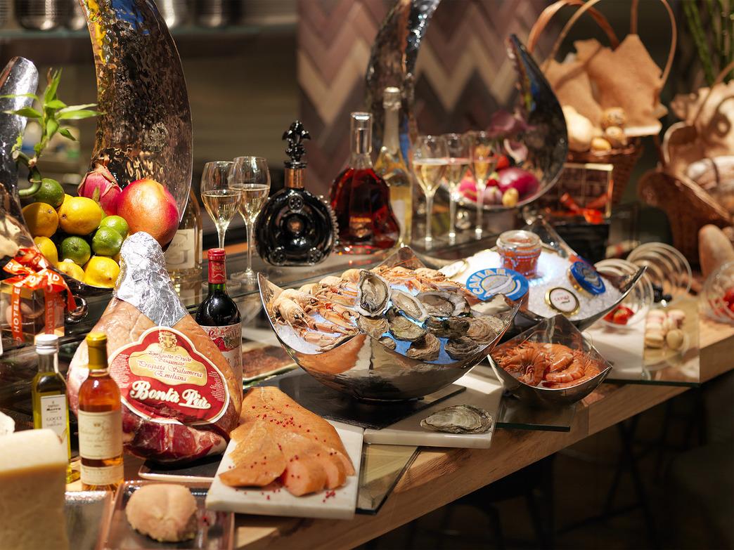 Новый год в ресторане атмосфера спб
